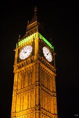 London-Londres (20 sur 23) (jeromiko88) Tags: parliament unitedkingdom uk thames tourism monument bigben clock architecture lumiere heure london londres jaune vert nuit night europe angleterre england tower parlement