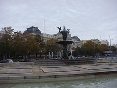 Fountain in Madrid (Rckr88) Tags: madrid spain fountain fountaininmadrid europe city cities buildings building architecture fountains statue statues sculpture water