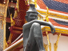 Cheeky looking statue (Connie Churcher) Tags: travel bird thailand temple bangkok buddha royal jade grandpalace temples emerald emeraldbuddha phraborommaharatchawang grandpalacetemples