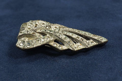 DSC03024 JW0049 Gatsby RS Dress Clip 10.00 (CastleRockMercantile) Tags: vancouver vintage silver portland washington jewelry wa antiques longview kelso castlerock gatsby costumejewelry eisenberg judylee cowlitz thegreatgastsby castlerockmercantileantiquemall