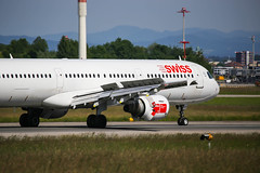 Swiss International Air Lines Airbus A321-111 (Marcellinissimo) Tags: swiss airbus zurichairport zrh lszh a321111 hbiof
