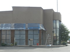 More poultry under wraps (l_dawg2000) Tags: chicken retail restaurant fastfood ms remodel chickfila southaven retailexpansion goodmanrd