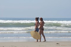 My girls, Oregon coast (desermeaux.christy) Tags: beach water oregon christy coast board magicmoments skim desermeaux