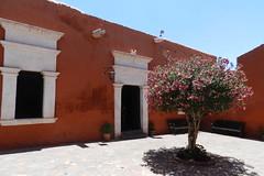 Peru Arequipa Patio Monasterio de Santa Catalina de Siena 01 (Rafael Gomez - http://micamara.es) Tags: santa peru de catalina per convento siena arequipa monasterio patios
