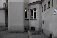 Licht auf der Stiege (LichtEinfall) Tags: wien dasrotewien lassallehof raperre img0485lassallef