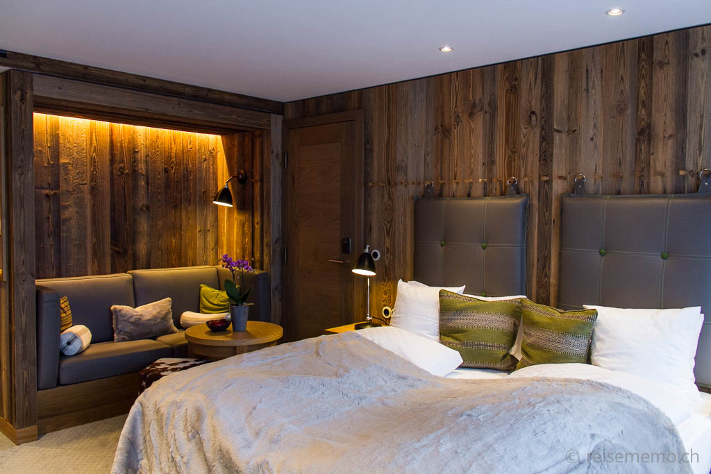 Noble wood and glass in the l wen hotel schruns in austria for Design hotelzimmer