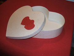 """Scatola """"cuore"""" • <a style=""""font-size:0.8em;"""" href=""""http://www.flickr.com/photos/112639136@N05/11924433653/"""" target=""""_blank"""">View on Flickr</a>"""
