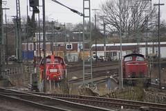 DB 265 018-2 en een V100 van de Emsländischen Eisenbahn? in Oldenburg 17-03-2017 (marcelwijers) Tags: db 265 0182 en een v100 van de emsländischen eisenbahn oldenburg 17032017 voith gravita