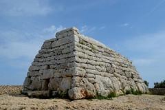Naveta des Tudons (qoanis.27) Tags: ciutadella navetadestudons minorca menorca baleari