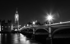 London @ night (Yannis Raf) Tags: canoneos70d canon ef24105mmf4lisusm ef24105mmf4 canoneos london longexposure longexposurephotography monochrome mono bw flare