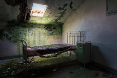 nightmares of a simple man (Andy Schwetz - I LOVE DECAY) Tags: urbex abandoned decay colonia abbandonata forgotten bed lost lostplaces verlassen verfall verlasseneorte ferienheim canoneos6d canon1635f40 andyschwetz fotografiemünchen urbanexploration melancholy