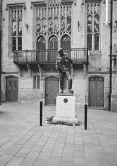 In Memorium (bigalid) Tags: film 35mm olympus pen ee2 bw c41 fujifilm neopan 400cn halfframe warmemorial memorial statue poppy durham april