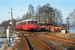 DE - Neuruppin - 772 118 (blockstelle.de) Tags: astation aneuruppin alland aldeutschland bdeutschebaureihe b772 cordnungsnummer c118 dfahrzeugtyp dostschienenbus eevubzwfahrzeughalter edr ffarbgebung frot jaufnahmedatuminjjjjmmtt j19930131 nnummerartdeszuges nn7976 neuruppin brandenburg deutschland de zug züge bahn eisenbahn lok railway railroad train fullhd dmu germany