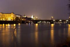 Nightshot in Prague with a shadow (kalakeli) Tags: nightshots nachtaufnahmen prag prague praha march märz 2017 vltava moldau rivers flüsse water wasser langzeitbelichtung longexposure charlesbridge 30secs