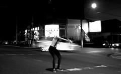 Furto Diário (Furto Diário) Tags: fuji fujifilm fujilovers xe1 fujifilmxe1 takumar takumar28mm pb bw furtodiario furto diário street streetphotography