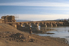Found Photo - Iran Isfahan - Shahrestan Bridge - Oct 1976.tif