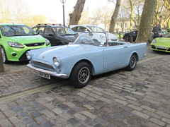 Sunbeam Alpine 424OCV (Andrew 2.8i) Tags: queen queens square bristol breakfast club classic classics car cars show meet avenue drivers all types transport youngtimer oldtimer sunbeam alpine rootes british sports sportscar open roadster cabriolet convertible