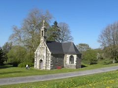 Chapelle Saint-Hubert du Domaine de Trévarez. (Emma2922) Tags: chapelle chapel pierre stone bretagne architecture finistère nature