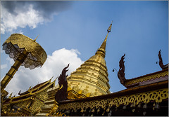 Thailande : Temple of Doi Suthep (Hervé Marchand) Tags: 2017 thailande temple gold stupa buddhism chiang mai 52 challenge