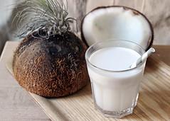 يقاوم السرطان ويعزز المناعة.. 9 فوائد مذهلة للبن «جوز الهند» (ahmkbrcom) Tags: الألبان البروتين الخضراوات السرطان الفيتامينات باريس فروةالرأس فوائد وجبات