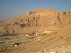 El-Qurn above the Hatshepsut temple (Chris Firth of Wakey.) Tags: elqurn hatshepsut egypt