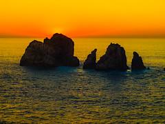 Piedras en el mar (Jesus_l) Tags: europa españa cantábria losurros atardecer mar jesúsl