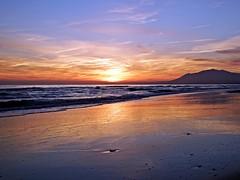 Puesta de sol (Antonio Chacon) Tags: andalucia atardecer marbella málaga mar mediterráneo costadelsol cielo españa spain sunset nubes nature naturaleza puestadesol paisaje agua orilla