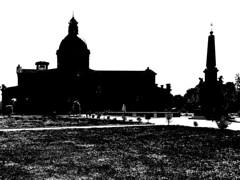 memento templum petri (Paolo Cozzarizza) Tags: italia lombardia bergamo caravaggio scorcio chiesa prato fontana acqua