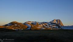 L'alba pennella il Gran Sasso (EmozionInUnClick - l'Avventuriero's photos) Tags: cornogrande gransasso alba montagna