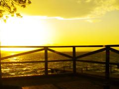 Belleza etrea 2 (_Zahira_) Tags: light sunset sky sun luz sol yellow backlight contraluz lafotodelasemana atardecer olympus amarillo cielo orton ngr e500 uro ltytr1 efectoorton