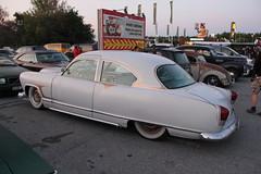 Kaiser 1951 (Drontfarmaren) Tags: pictures show 6 classic cars car vintage big gallery power sweden saturday american kaiser coverage jul meet bilder 1951 galleri lördag 2013 drontfarmaren västarås