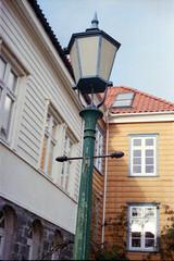 57 Bergen (M. SCHULZ) Tags: exa 1b canon 9000f kodak farbwelt 400 analog norwegen 35mm bergen film norway norge ihagee iso analogue