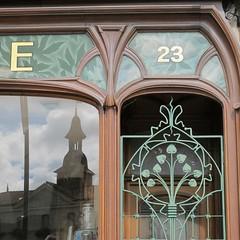 Ancienne pharmacie Mallard (1907) - 23 Place Charles-de-Gaulle, Commercy (55) (Yvette Gauthier) Tags: architecture artnouveau boutique 55 pharmacie meuse 1907 bellepoque commercy eugnevallin pharmaciemallard charlesfridrich josephjanin