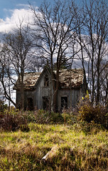 K7_23804 (Bob West) Tags: ontario oldhouse countryroads k7 tamron2875f28 southwestontario bobwest