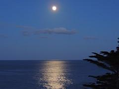 Il mare di Capo Zafferano (Giovanni Valentino) Tags: mare luna capo sul sicilia bagheria zafferano aspra mongerbino
