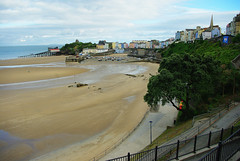 D9070.  Tenby - North Beach. (Ron Fisher) Tags: southwales wales day westwales cloudy cymru tenby