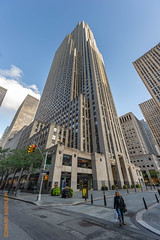 New York City (Edi Bähler) Tags: newyorkcity newyork building facade perspective structure highrise bauwerk gebäude perspektive fassade hochhaus vereinigtestaaten 1424mmf28 nikond3s rockefellercenternewyorklm