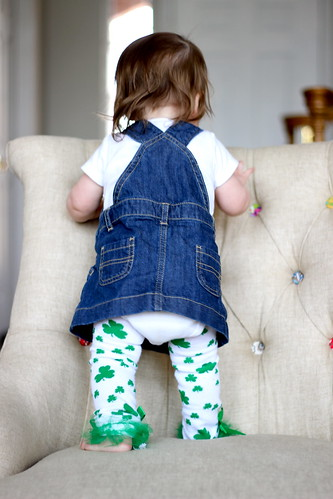 baby girl stpatricksday babyleggings vision:outdoor=073