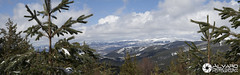 Natural window (Álvaro (Photographer & Graphic Designer)) Tags: naturaleza blanco ruta gris arboles natural nieve panoramic sierra cielo panoramica nubes montaña burgos hielo senda demanda lagunas neila