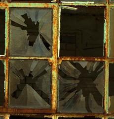 windows 2 (stempel*) Tags: windows window okno żyrardów fabryka pentax k30 50mm polska poland polonia gambezia rust crust dirty rdza broken zepsute abandon abandoned opuszczone wybite szkło glass