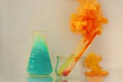 13/52 Acid (Nathalie Le Bris) Tags: couleur stilllife colourful acid blue orange chemistry chimie