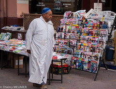 press review (thierry_meunier) Tags: maroc marrakech morocco homme journaux man marché market newspapers press presse rue street travel voyage