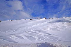 Snow Waves (GEORGE TSIMTSIMIS) Tags: outdoors sky land earth mountain snow white blue clouds winter formations textures pentaxk1 ricohimaging wideangle