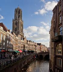 Utrecht - Oude Gracht (grotevriendelijkereus) Tags: netherlands holland nederland city town stad center centrum architecture architectuur gebouw building gracht oude utrecht toren tower domtoren cathedral