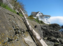 the ledge_1321R (Michael.C.G) Tags: crows beach mcneillbay oakbay victoria waterfront house