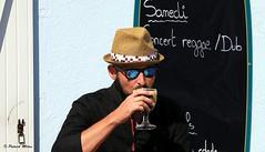 Samedi Reggae with hat (patrick_milan) Tags: plouguin ploudalmezeau portsall kersaint landunvez landeda lannilis treglonou saintpabu pabu abers finistère brittany bretagne bzh saintrenan renan lanildut aberwrach lampaul plouarzel breles color street rue people personne gens streetview face man beer hat pub bar café