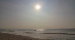 Hazy Spring Sunshine (Andy.Gocher) Tags: andygocher canon100d canon1018mm uk wales southwales ogmorebysea bridgend sun beach sunshine sand sea seascape