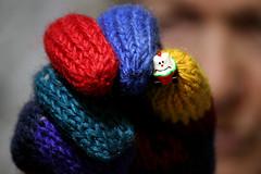 Ecco qua (meghimeg) Tags: 2017 genova macro macromondays guanto glove stoffa textile colori colors