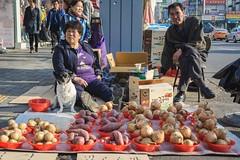 Myeonmok neighborhood (Seoul) - onion & potato street vendors (Kevin Lowry) Tags: streetmarket people streetvendor streetphotography southkorea seoul 35mm18 d7100 nikon