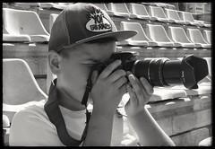 Mi pequeño gran talento. (garciacarolina28) Tags: blackandwhite blancoynegro fotografo fotografiando principiante amante niño retrato pasión devoción